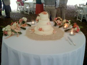 The cake and bouquets