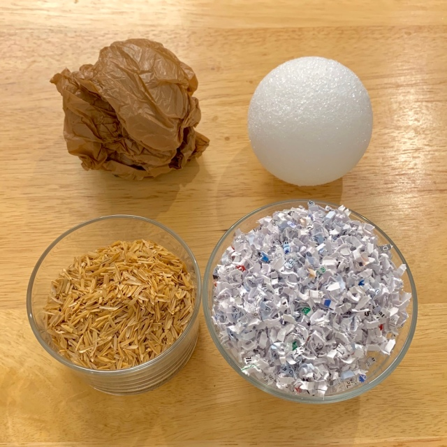 A variety of possible core materials to use for temari.